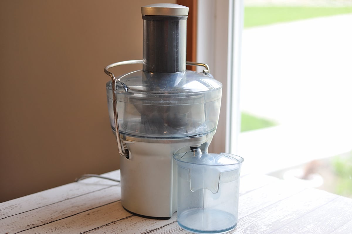 Breville compact juicer on table.