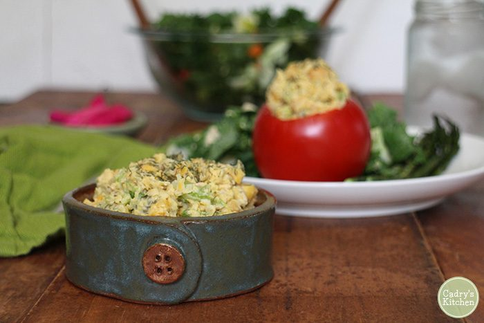 Chickpea salad stuffed tomatoes - A great vegan & gluten-free lunch | cadryskitchen.com