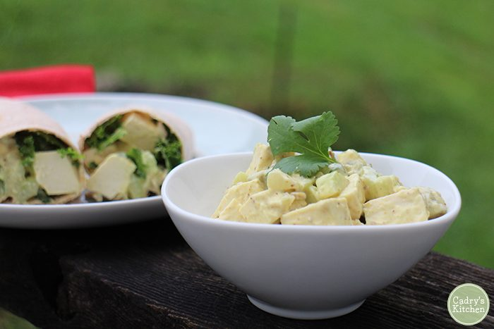 Eggless salad made with tofu in bowl.