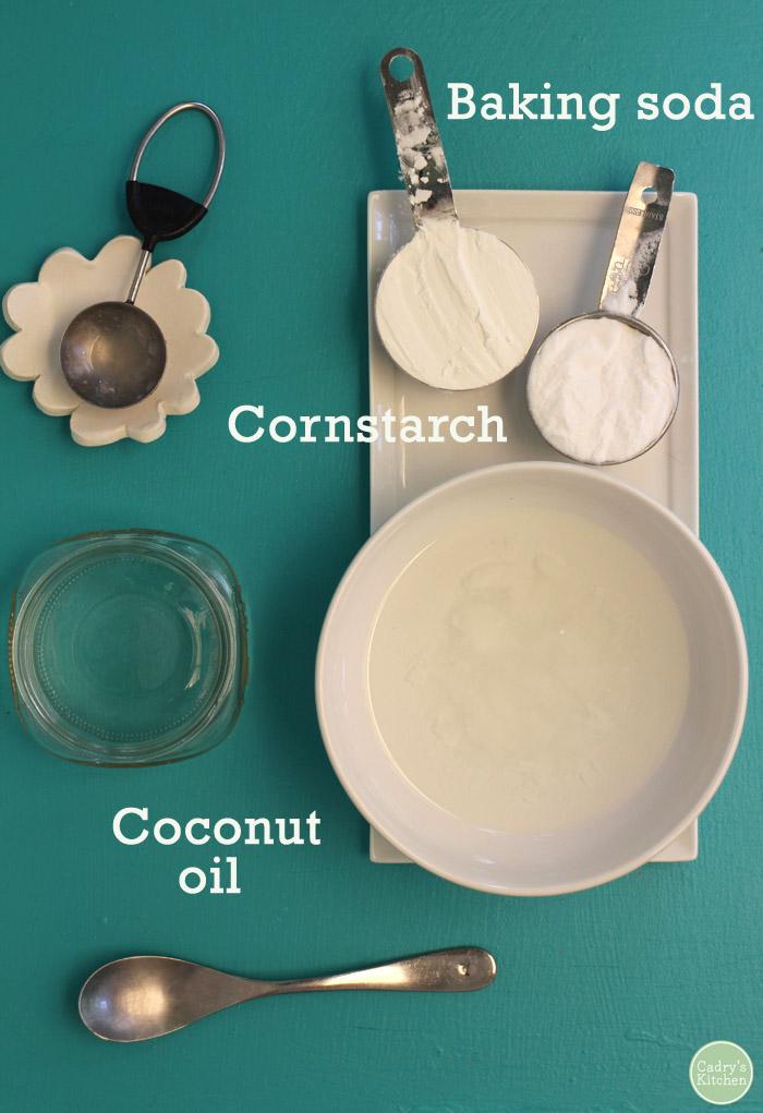 DIY: Coconut oil deodorant with just 3