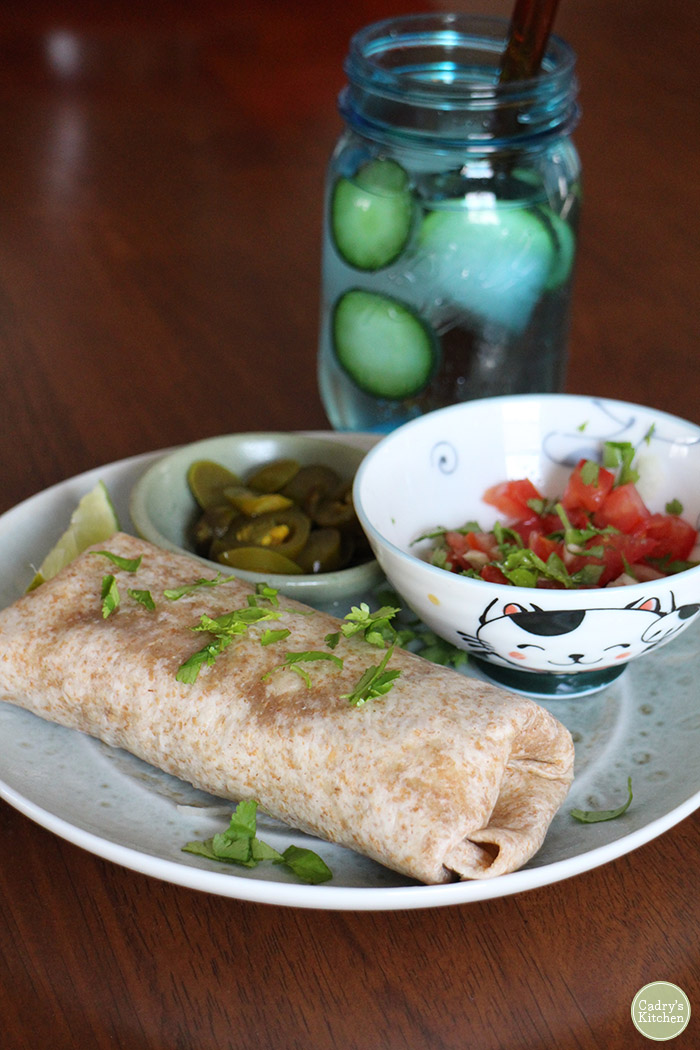 I'm vegan, and here's what I eat in a day for breakfast, lunch & dinner | cadryskitchen.com #vegan