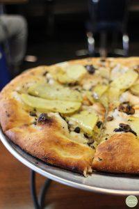 Potato and truffle pizza.