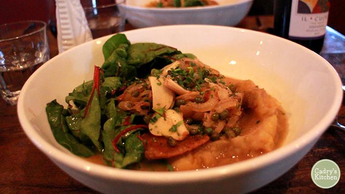 Seitan piccata in bowl