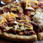 Vegan chili dog pizza: Make dinner fun