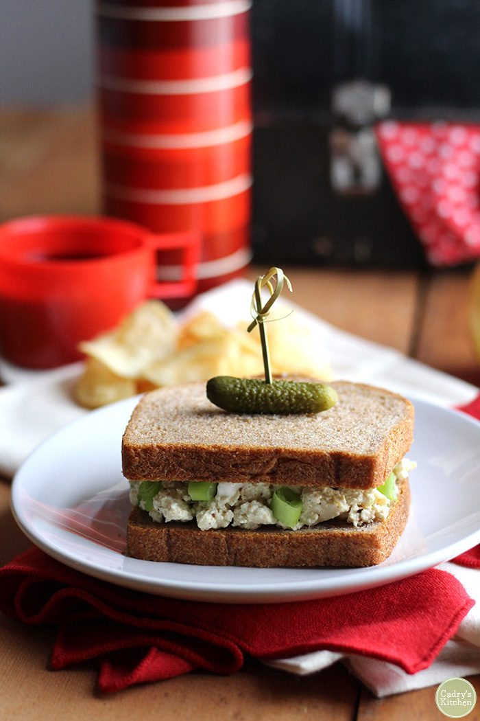 All the taste of an egg salad sandwich, but entirely vegan! A great lunch option that couldn't be quicker to make. | cadryskitchen.com