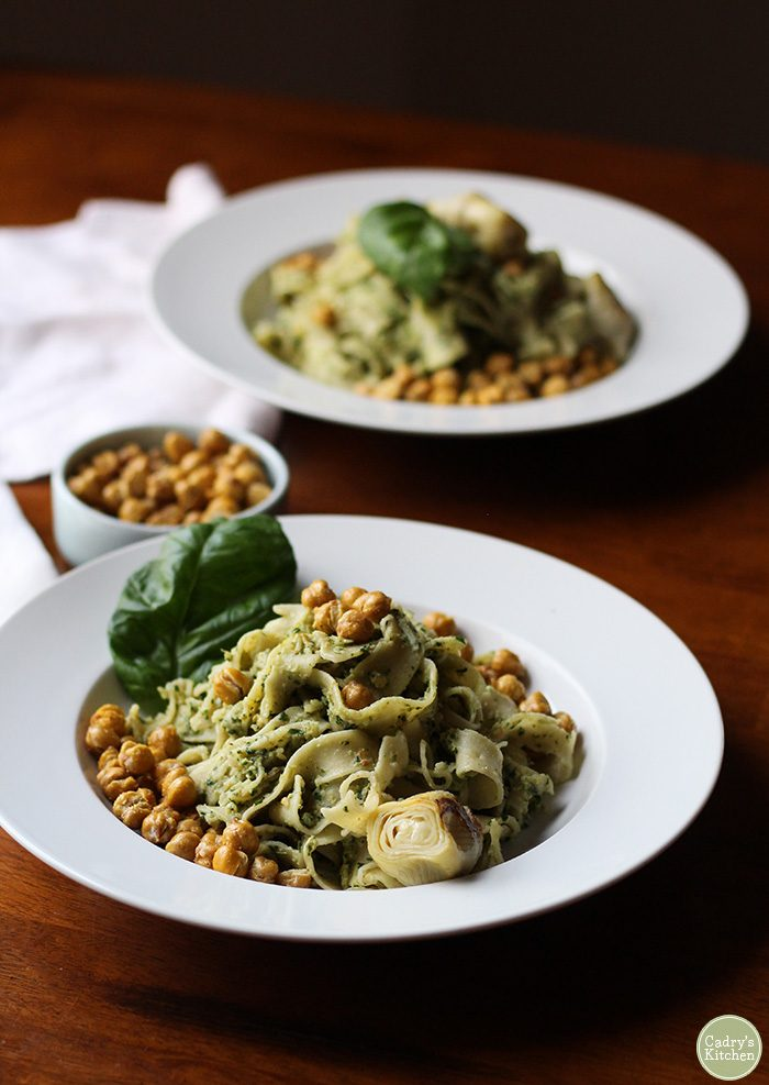 Artichoke pesto pasta with fried chickpeas: An elegant & easy vegan meal for Valentine's Day | cadryskitchen.com