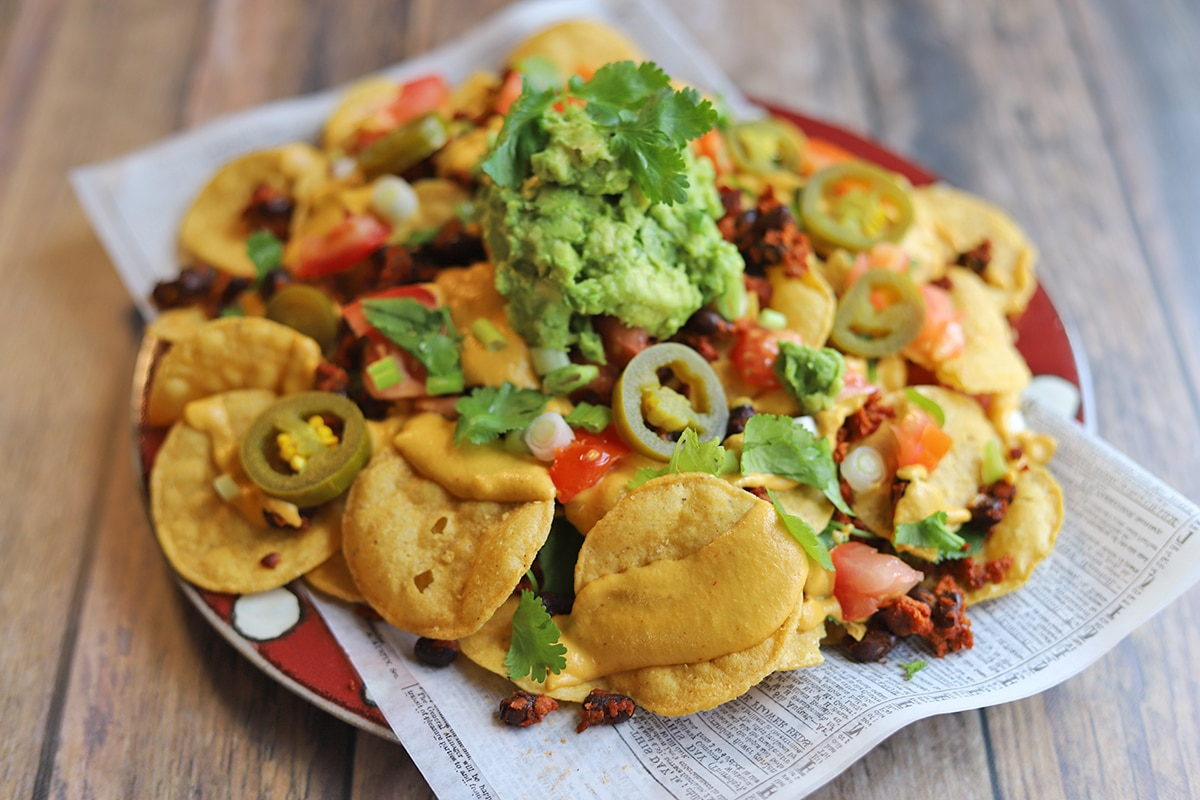 Platter of vegan nachos.