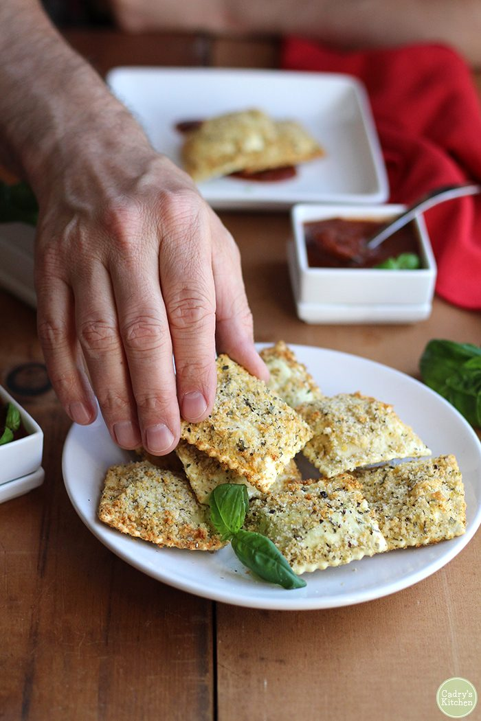 Vegan fried ravioli in the air fryer: Toasted vegan ravioli dredged in seasoned panko. A great party appetizer! | cadryskitchen.com