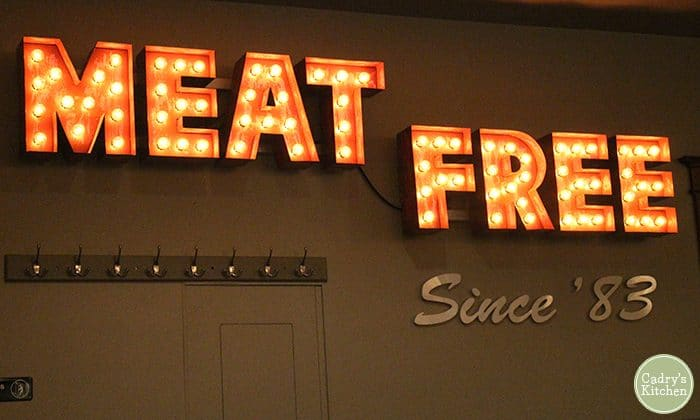 Meat Free sign at Chicago Diner.