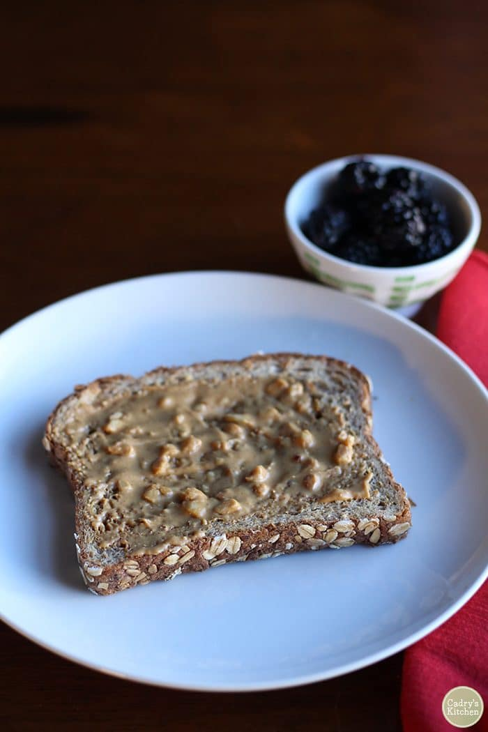 What I eat in a day - vegan. Peanut butter toast with blackberries.