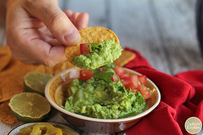 Quick And Easy Guacamole Recipe Cadry S Kitchen